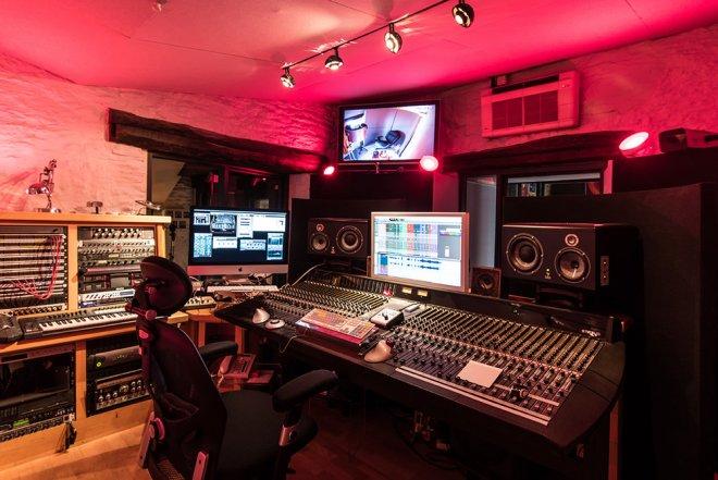 Recording Studio Oxford Equipment